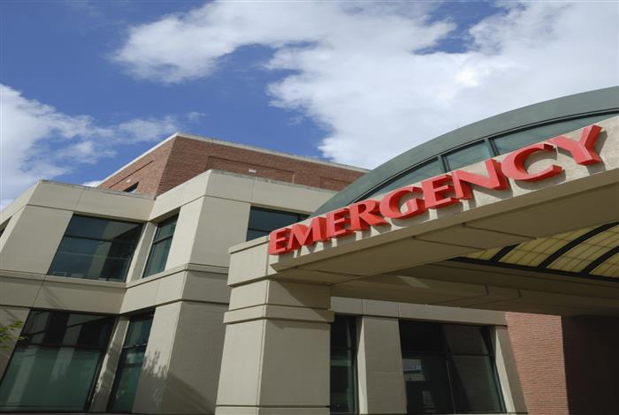 small_hospital_suction_machine.jpg