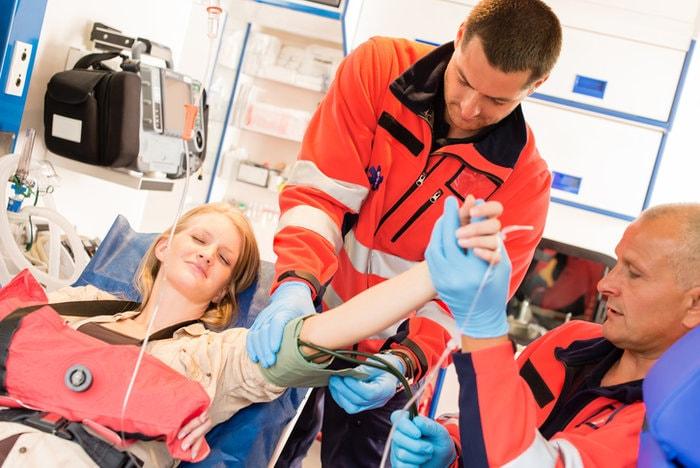 The portable device every paramedic needs | paramedics treating patients