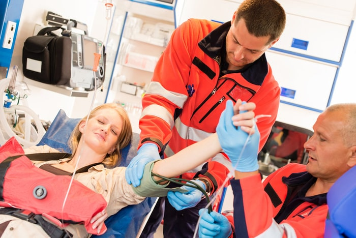The portable device every paramedic needs | paramedics treating patients